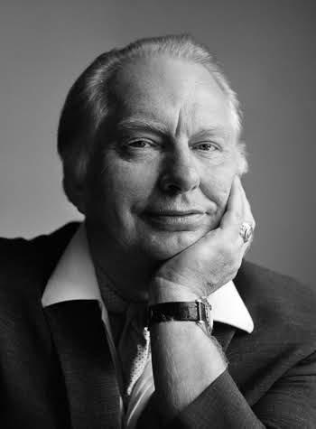 Retrato de L. Ron Hubbard