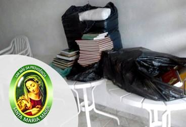 Entrega 03/03/18 – Doação de mesas, cadeiras, livros e roupas