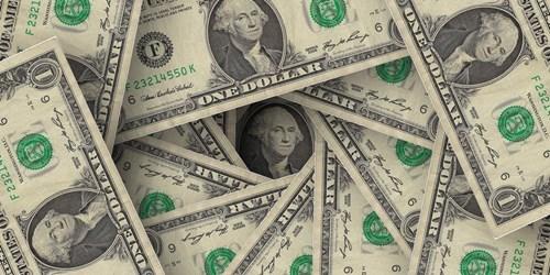 Dólar passa de R$ 4