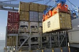 Balança comercial tem maior superávit para agosto em dois anos