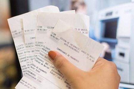 Você sabia que os brasileiros estão gastando 150% a mais com tarifas bancárias